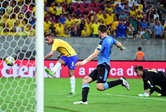 Eliminatórias da Copa 2018, em 25/03/2016: Brasil 2x2 Uruguai (gol de Renato Augusto). Foto: Brasil Global Tour/twitter (@BGT_ENG)