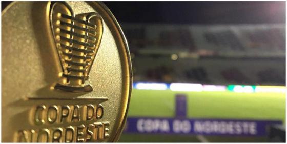 Moeda do árbitro na final da Copa do Nordeste de 2016. Foto: Esporte Interativo/instagram