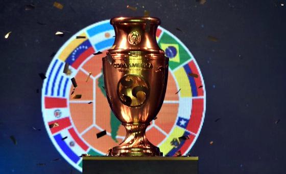 Troféu da Copa América Centenário (2016). Crédito: Conmebol/twitter