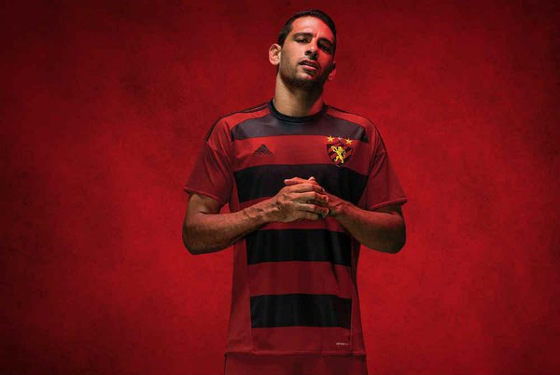 O novo uniforme 1 do Sport para a temporada 2016. Crédito  divulgação 3e526c8c5b9a1