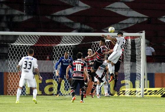Série A 2016, 16ª rodada: Santa Cruz 0x1 Coritiba. Crédito: Ricardo Fernandes/DP