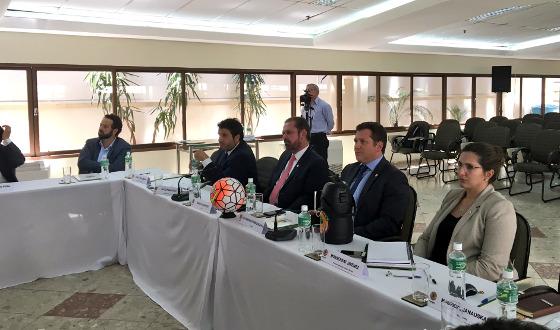 Reunião da Conmebol para decidir o formato dos torneios continentais de 2017. Crédito: Conmebol/twitter (@conmebol)