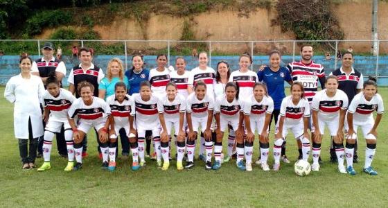 Time feminino do Santa Cruz em 10 de maio de 2016. Foto: Santa Cruz/site oficial