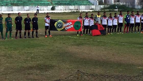 Homenagem de Íbis e Flamengo de Arcoverde à Chapecoense. Foto: facebook/ibismania