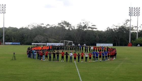 Homenagem do Sport à Chapecoense. Foto: Nando Chiapetta/DP