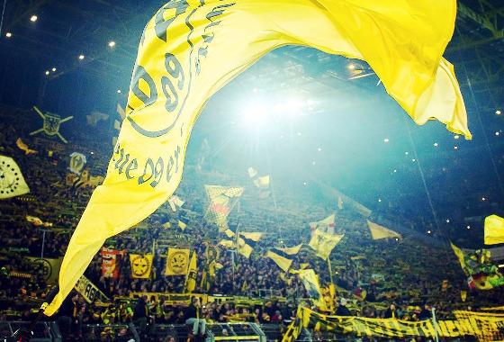 A torcida do Borussia Dortmund do Signal Iduna Park em 2016. Foto: Borussia/instagram (@bvb09)