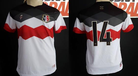 Camisa especial para o sócio do Santa Cruz em 2017. Crédito  Loja Cobra  Coral 5dac25bc85331