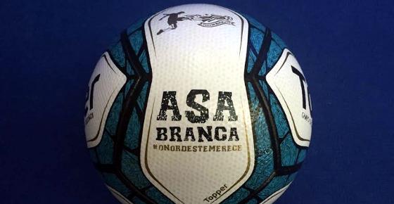 """Bola """"Asa Branca"""", da Topper, para o Nordestão. Foto: Esporte Interativo/divulgação"""