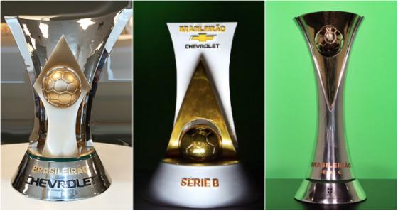 Os troféus das Séries A, B e C do Campeonato Brasileiro. Fotos: CBF/divulgação