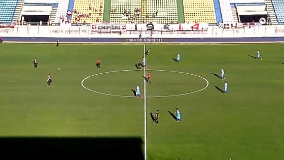 Copa do Nordeste 2017, 1ª fase: Uniclinic 0 x 2 Santa Cruz. Imagem: Rede Globo (TV Verdes Mares)/reprodução