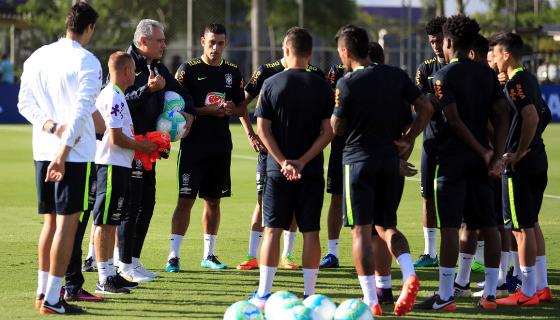 O primeiro treino do Brasil visando o jogo contra o Uruguai, no CT do Corinthians. Foto: Lucas Figueiredo/CBF