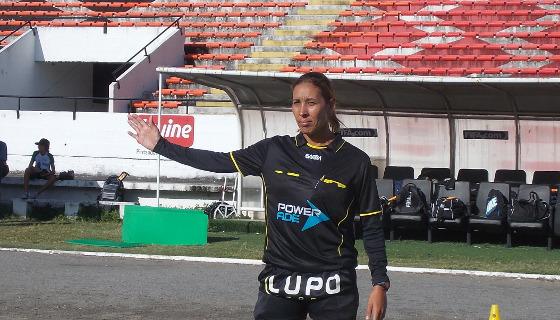 Debora Cecília, árbitra da FPF em 2017. Foto: ANAF/divulgação