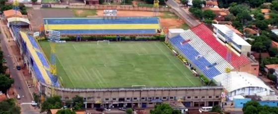 Estádio Feliciano Cáceres, em Luque