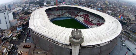 Estádio Nacional, em Lima
