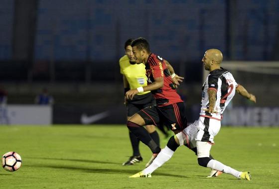 Copa Sul-Americana, 1ª fase: Danubio (2) 3 x 0 (4) Sport. Foto: Miguel Rojo/AFP Photo