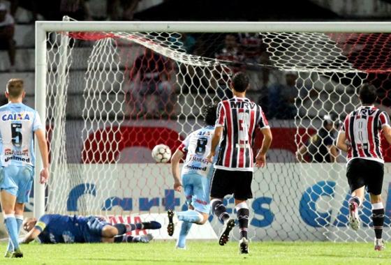 Série B 2017, 6ª rodada: Santa Cruz 1 x 3 Londrina. Foto: Marlon Costa/Futura Press/Estadão conteúdo