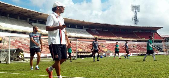 Santa Cruz treinando no Arruda. Foto: Santa Cruz/twtter