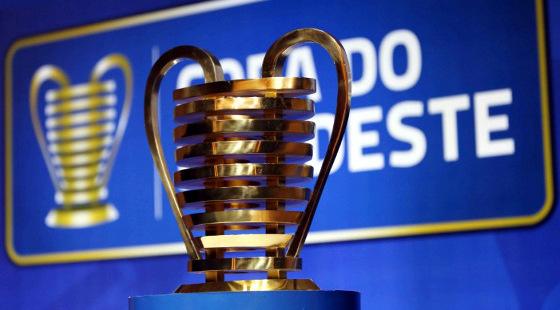 O troféu da Copa do Nordeste. Foto: CBF/divulgação