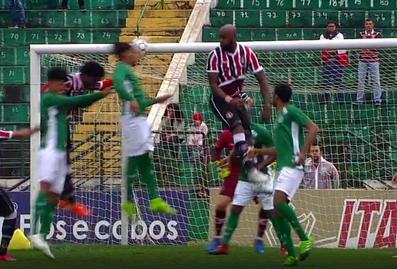 Série B 2017, 21ª rodada: Guarani 2 x 0 Santa Cruz. Crédito: Premiere/reprodução