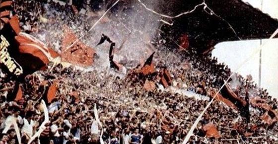 Torcida do Sport na Ilha do Retiro em 1982
