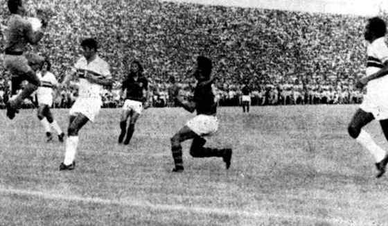 Amistoso de inauguração do Arruda, em 04/06/1972: Santa Cruz 0 x 0 Flamengo. Foto: Arquivo/DP
