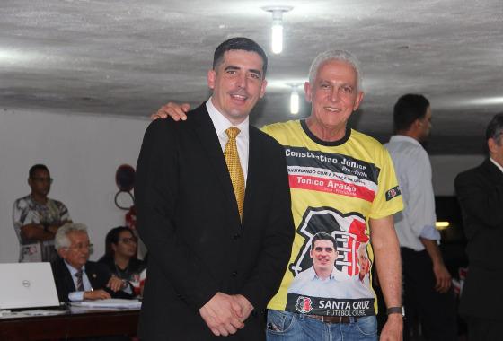 Constantino Júnior vence a eleição para a presidência do Santa Cruz para 2018-2020. Foto: Santa Cruz/twitter (@santacruzfc)