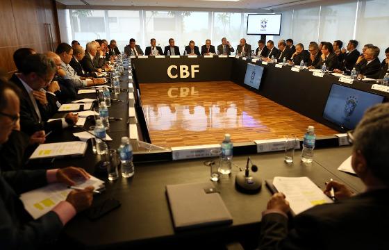 O conselho arbitral do Brasileirão de 2018. Foto: Lucas Figueiredo/CBF