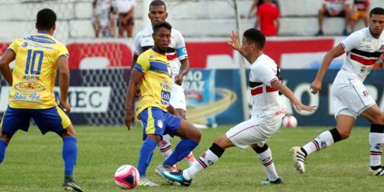 Pernambucano 2018, 9ª rodada: Santa Cruz x Pesqueira. Foto: Ricardo Fernandes/DP