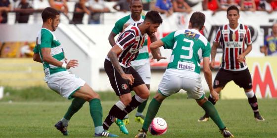 Pernambucano 2018, 10ª rodada: Santa Cruz x Belo Jardim. Foto: Ricardo Fernandes/DP