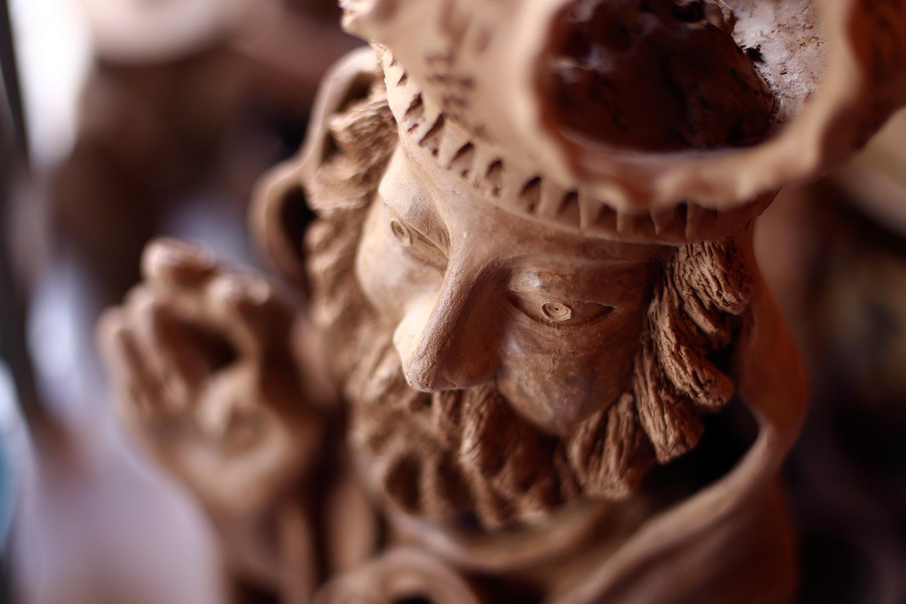 Os santos feitos por mestre Zuza são feitos de forma totalmente manual e inspirados na cultura pernambucana