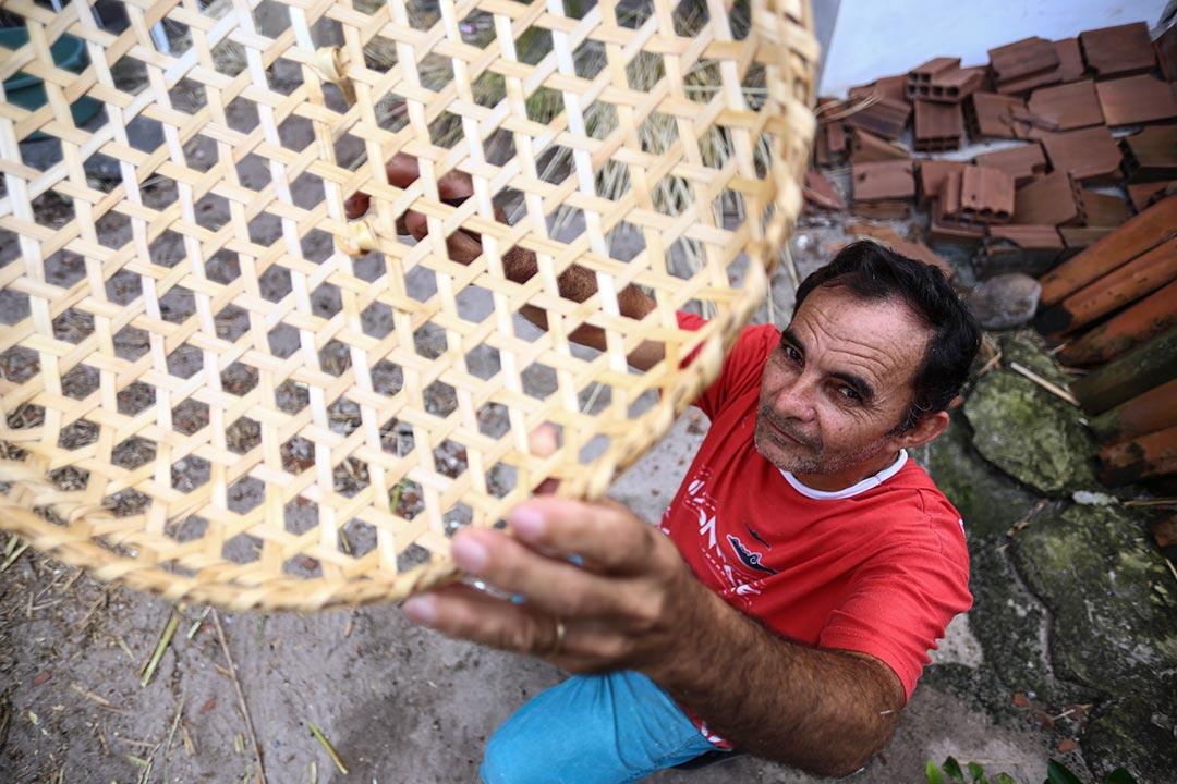 José Carlos Luna mostra detalhes da trama produzida a partir da cana brava