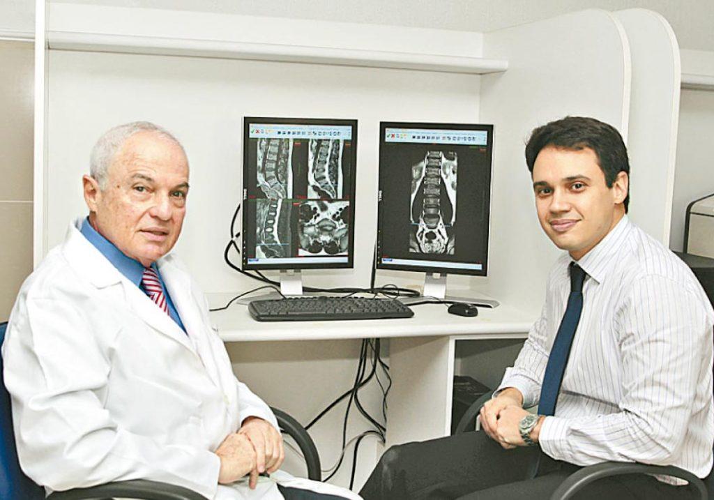 Boris e o filho Leon: prioridade é conhecer paciente - Foto: Nando Chiappetta/DP
