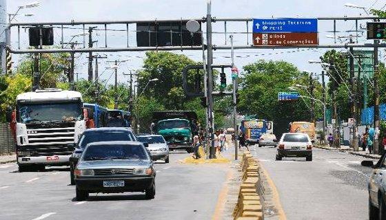 Avenida Cruz Cabugá - Foto Júlio Jacobina