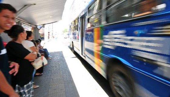 ônibus recife - Foto Annaclarice Almeida DP/D.A.Press