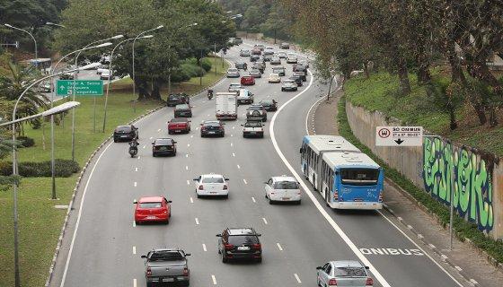Faixa exclusiva ônibus São Paulo - CET/Divulgação