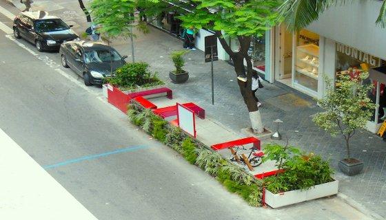 Zona Verde ocupa vaga de dois carros em São Paulo