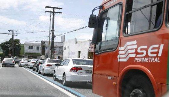 Táxi na Faixa Azul, no Recife - Foto - Blenda Souto Maior DP/D.A.Press