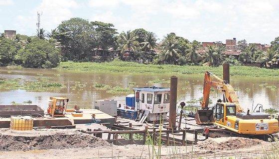 Obras do projeto do navegabilidade do Rio Capibaribe  Foto Julio Jacobina DP/D.A.Press