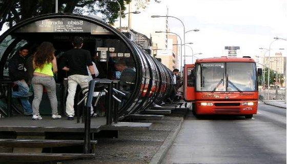 Em Curitiba o BRT é denominado de Rede Integrada de Transporte (RIT) - Foto - Prefeitura de Curitiba/Divulgação