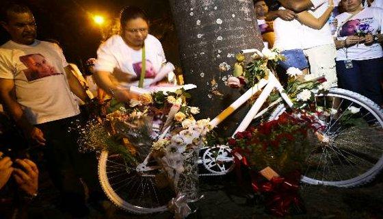 Protesto pela mortes de ciclistas no Recife em 2012 - Foto - Hélder Tavares DP/D.A.Press
