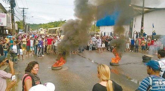 Manifestantes protestaram contra os atrasos no metrô Foto - Felipe Feliciano WahtsApp do Diario