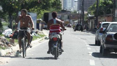Sem legislação, as cinquentinhas circulam impunes no Recife Foto - Paulo Paiva DP/D.A.Press