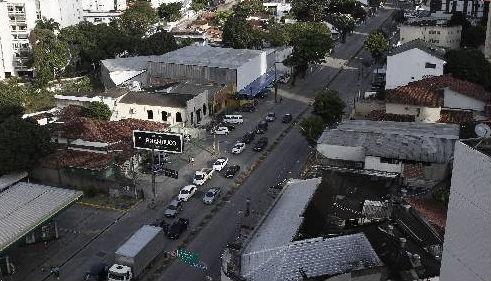 Avenida Norte ainda espera implantação de projeto do VLT no Recife Foto - Blenda Souto Maior DP/D.A.Press