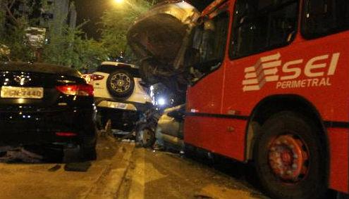 Acidente com ônibus em Boa Viagem envolvendo 11 veículos