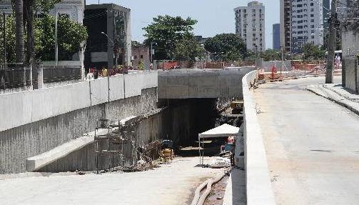 Túnel da Abolição, o trecho mais avançado é na Rua Real da Torre Foto Alcione Ferreira DP/D.A.Press