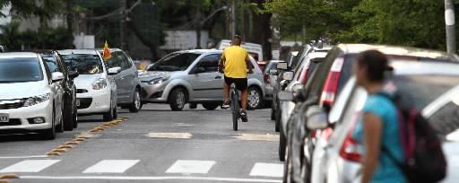 Rua do Futuro, no bairro do Espinheiro é rota de fuga dos ciclistas Foto  Paulo Paiva DP/D.A.Press