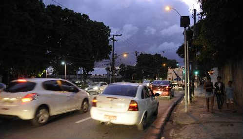 Radar eletrônico na Avenida 17 de agosto, no Recife Foto Guilherme Veríssimo DP.D.A.Press