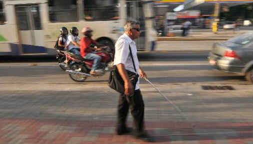 ônibus e paradas deverão ser numerados para facilitar acesso de deficientes visuais Foto Hélder Tavares DP/D.A.Press