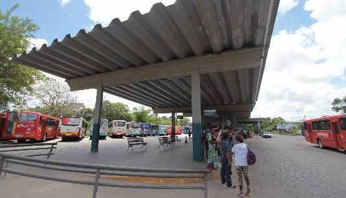 Ônibus convencionais serão mantidos no corredor Norte/Sul, mesmo com o BRT Foto Annaclarice Almeida DP/D.A.Press