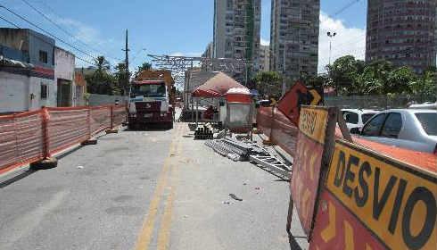 Duas estações de BRT na Avenida Cruz Cabugá do corredor Norte/Sul só ficam prontas em 2015 Fotos Annaclarice Almeida DP/D.A.Press